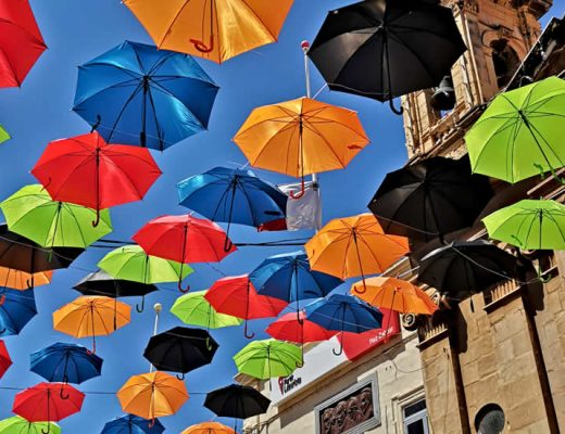 Zabbar, Malta: Paraplu festival (foto met dank aan Maltatina.com) | Malta & Gozo